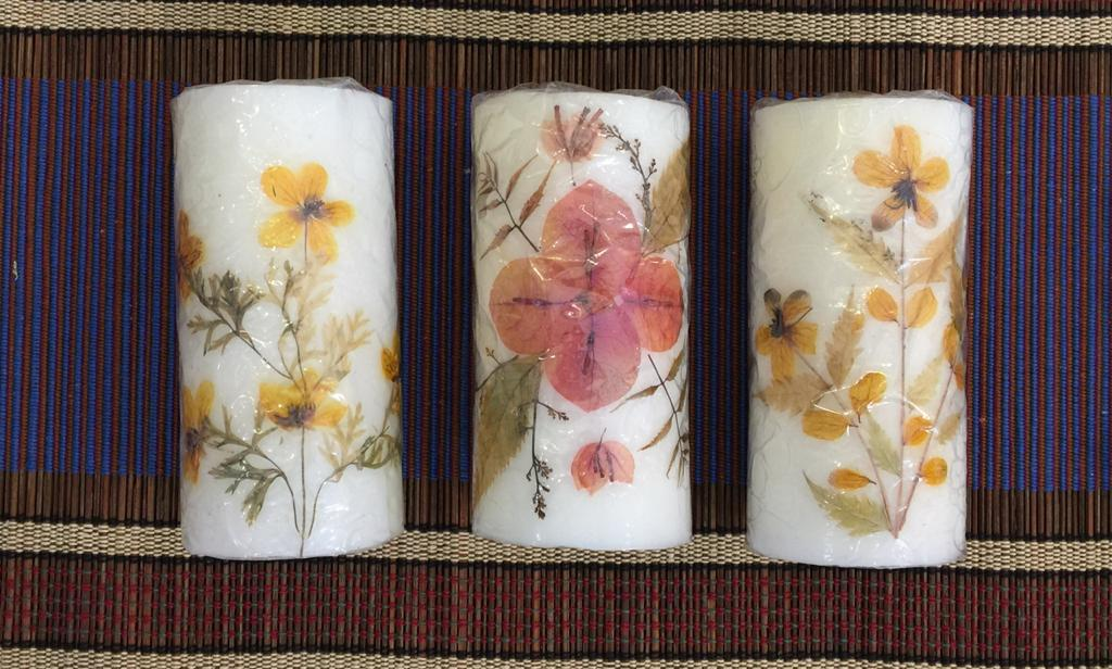 Dried Flowers' Candle - Medium