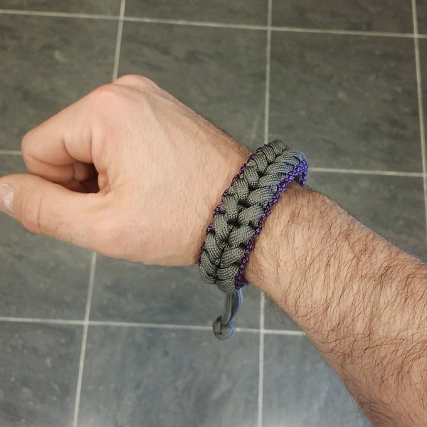 "Exclusive Handmade Paracord Bracelet ""Barracuda"""