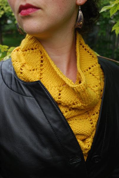 Diamond Kerchief Cowl Pattern (PDF) - Knitting Pattern by Phibersmith Designs
