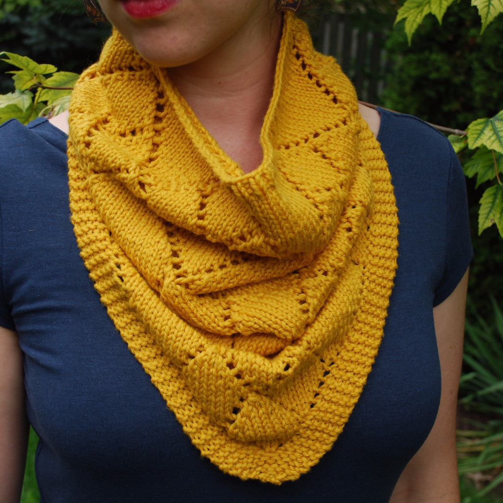 Diamond Kerchief Cowl Pattern (PDF) - Knitting Pattern by ...
