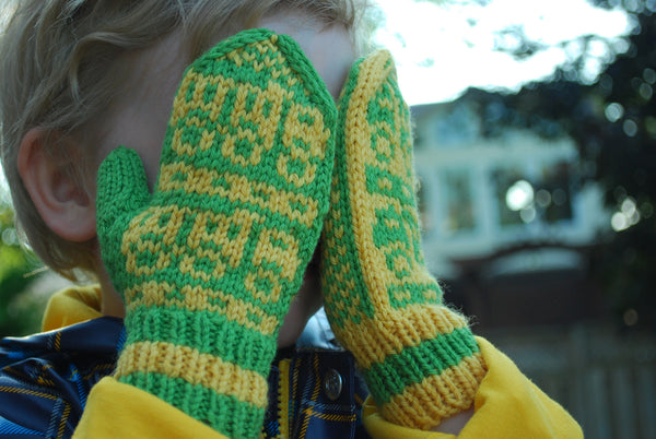 This Way / That Way Directional Mitten Pattern (PDF) - Knitting Pattern by Phibersmith Designs