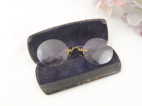Antique 9K gold pince-nez glasses marked A co O