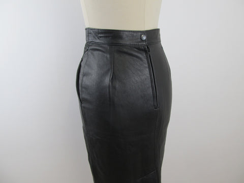 Black leather pencil skirt with 'leopard' print and pockets
