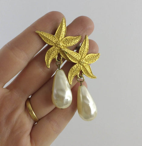 vintage signed earrings, Jonette Jewelry earrings with starfish and faux pearls, signed J.J., retro beach diva, collectible jewelry