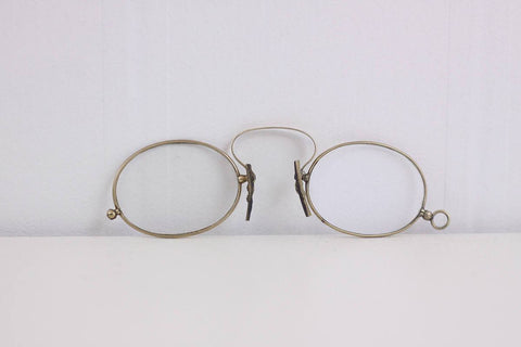 Antique 9K gold pince-nez glasses marked A co O, gold antique glasses