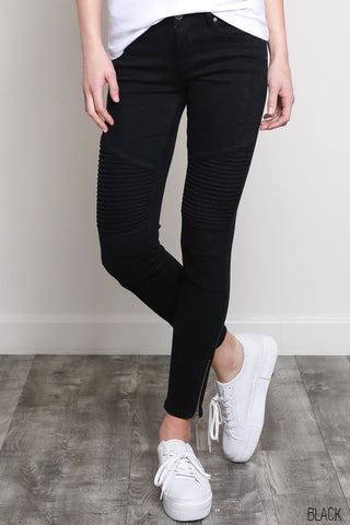 Skinny Moto Jeans in Black