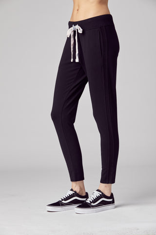 Black Leisure Pant