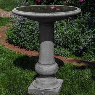 Williamsburg Boxwood Birdbath