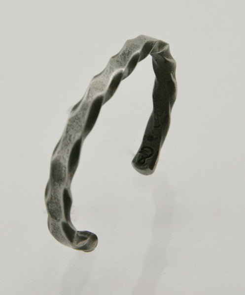 Narrow Twist Pattern Cuff Bracelet: Men & Women