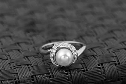 JUNE BIRTHSTONE PEARL RING