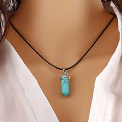 Stunning Natural Quartz Crystal Gemstone Chakra Healing Reiki Pendant/ Necklace