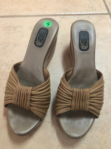 Salpy Sandals Brown sz 9