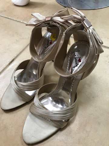 LUI CHING leather heels sz 10