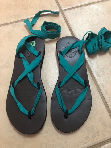 Sseko Brown Green Strap Sandals Black sz 7