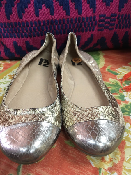 R2 snakeskin and gold ballet flats sz 6.5 - worn once