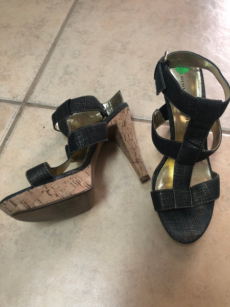 Chinese Laundry Black Gold Heels sz 8