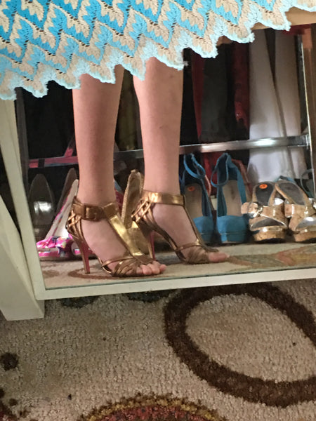BETSEY JOHNSON golden strapy heels sz 7