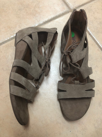 Euro Soft Brown Sandals sz 9