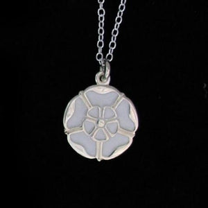 White rose necklace 17mm