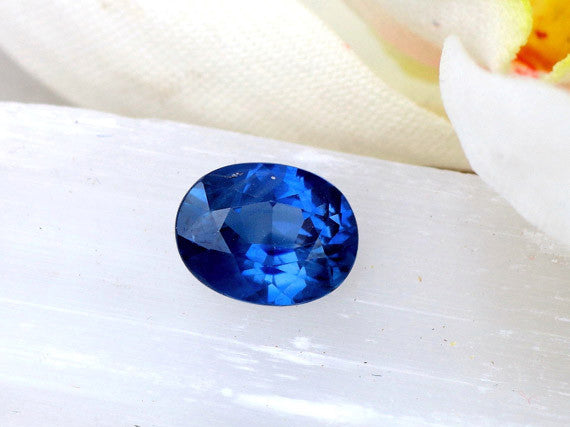 Blue Ceylon Sapphire Oval Loose Gemstone for Engagement.