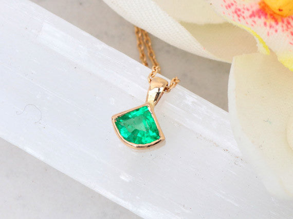 Fancy Shape Natural Emerald Yellow Gold Layering Necklace