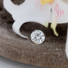 white sapphire for engagement ring