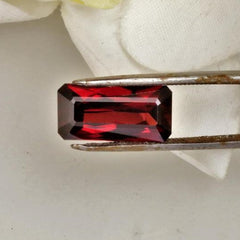 red garnet over 8 carats