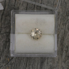 light yellow sapphire round shape