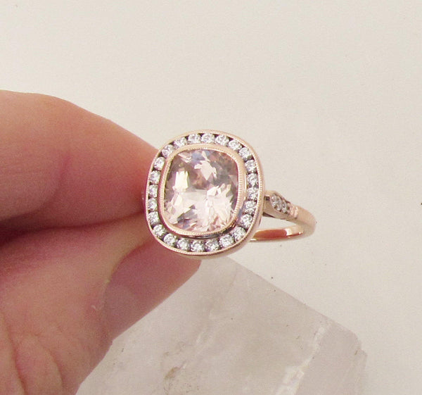 Vintage Design Peach Sapphire Rose Gold Ring