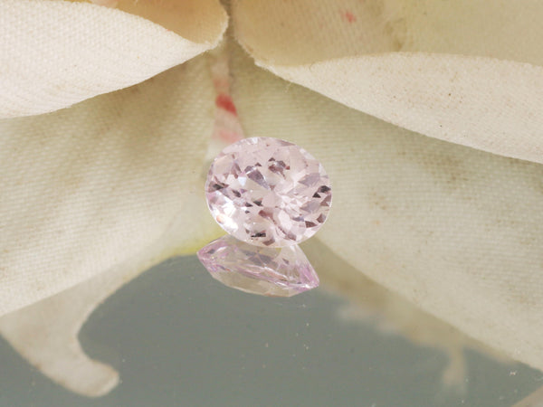 Soft Pink Lavender Sapphire 1.64 Carats Precision Cut Oval Gemstone