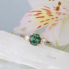 meghan markle ring with green sapphire