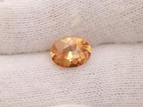 Peach Sapphire 1.11cts Oval for engagement or fine jewellery