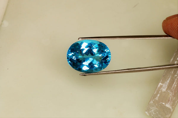 Blue Topaz Precision Cut Oval Shape Over 14 Carats for Pendant November Birthstone Gemstone for Jewelry
