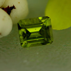 Emerald cut peridot for jewellery
