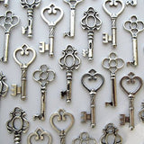 Salome Idea mixed Set of 30 Large Skeleton Keys in Antique Silver silver1 - Chickadee Solutions - 1