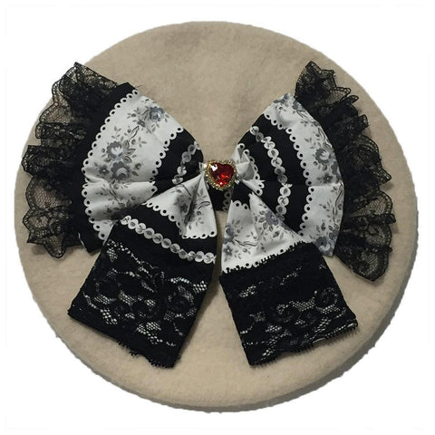 Candelicious Off White Beret with Lace Bow