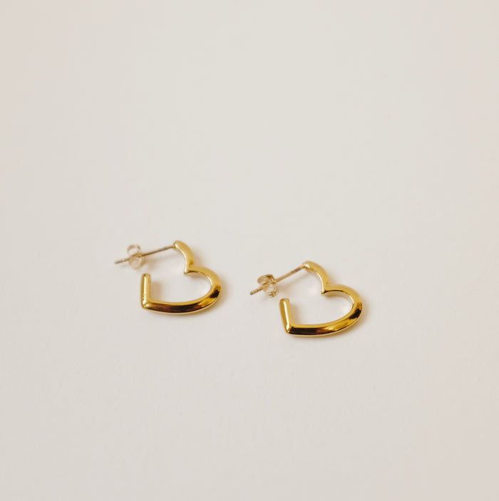 Foe & Dear: Teresa Heart Earrings