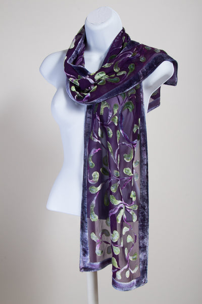 Velvet scroll Pattern in Purple with Spring green
