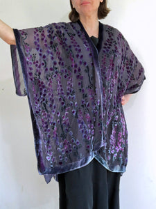 Willows Pattern Kimono Jacket in Black with Berry Accents