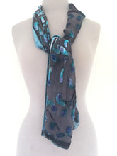 Load image into Gallery viewer, Velvet Scarf in Gray with Blue