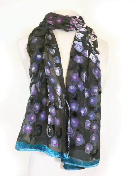 Velvet Scarf/Shawl with Roses Pattern