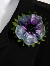 Load image into Gallery viewer, Velvet Flower Pin