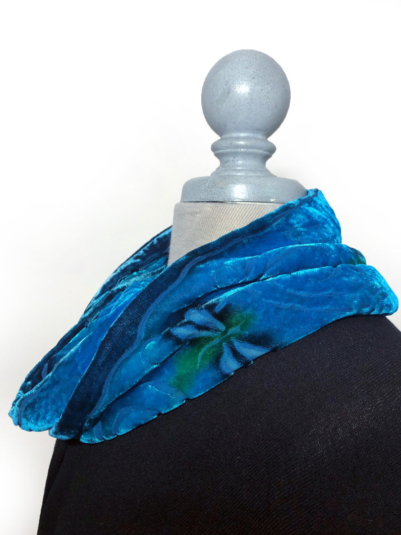 Cowl with Dragonflies in Blue-Sherit Levin