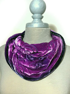 Dragonflies Cowl in Berry-Sherit Levin