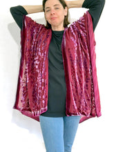 Load image into Gallery viewer, artist modeling red burnout velvet kimono jacket she made wearing jeans and black top.