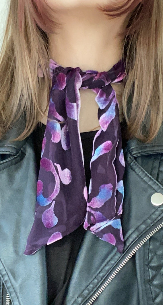 Scarflet in Scrolls Pattern in Plum-Sherit Levin