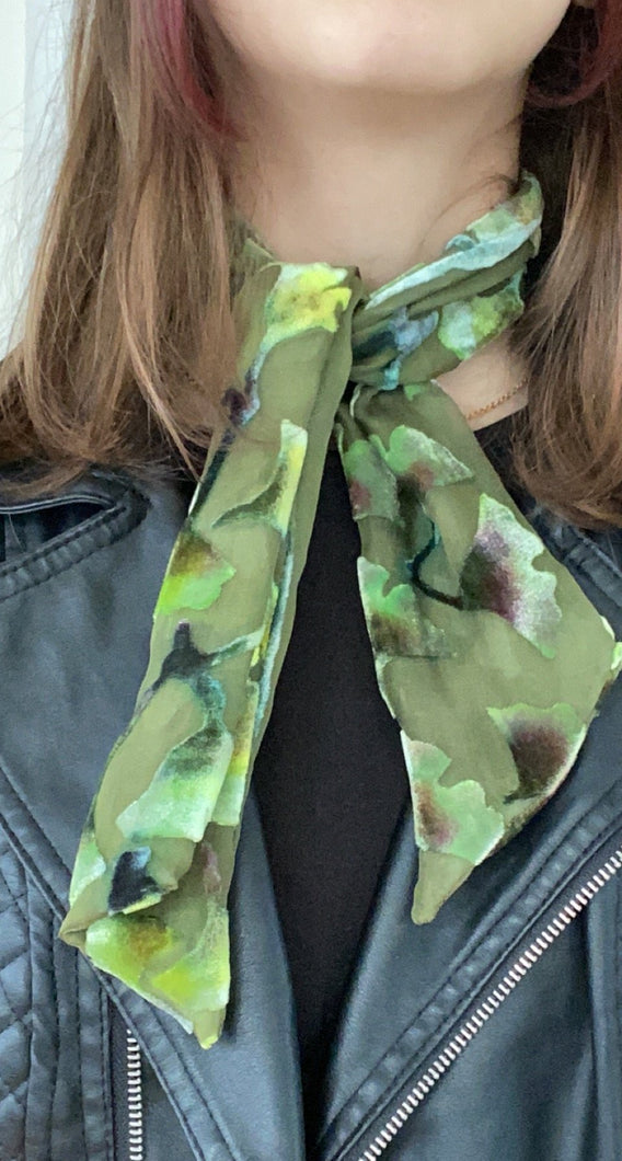 Scarflet with Gingko Pattern in Olive-Sherit Levin