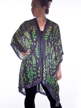 Load image into Gallery viewer, Velvet Kimono in Black with Green