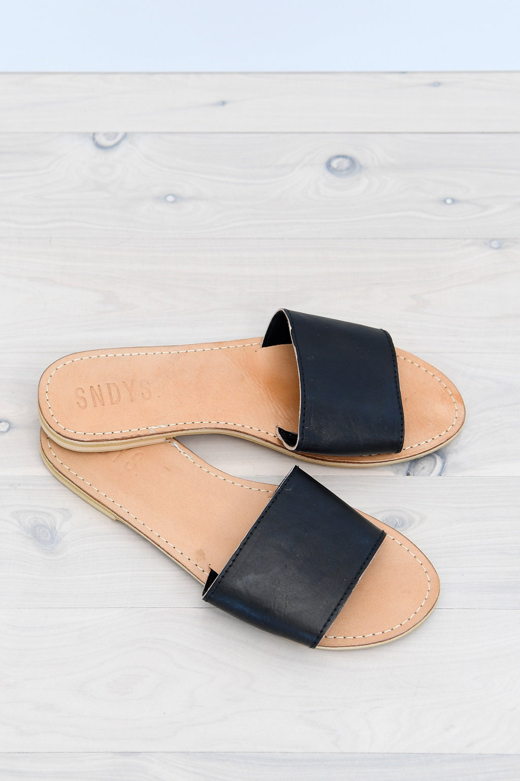 ARIA SLIDES - BLACK