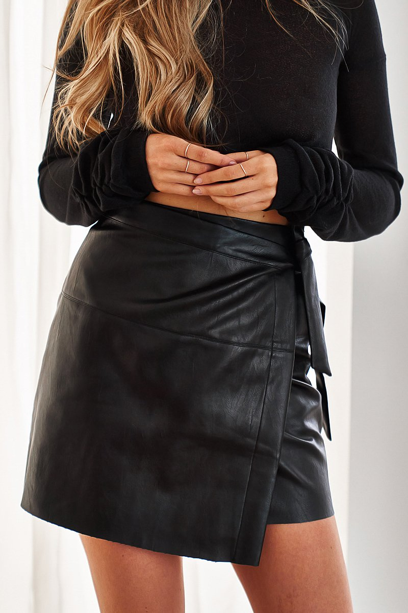 SPICE FAUX LEATHER WRAP SKIRT - BLACK